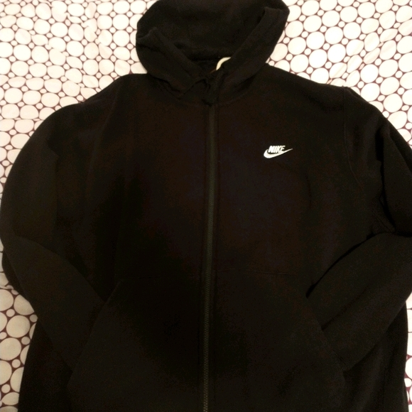 Men's Nike tech sweat suit(Pants and Sweater